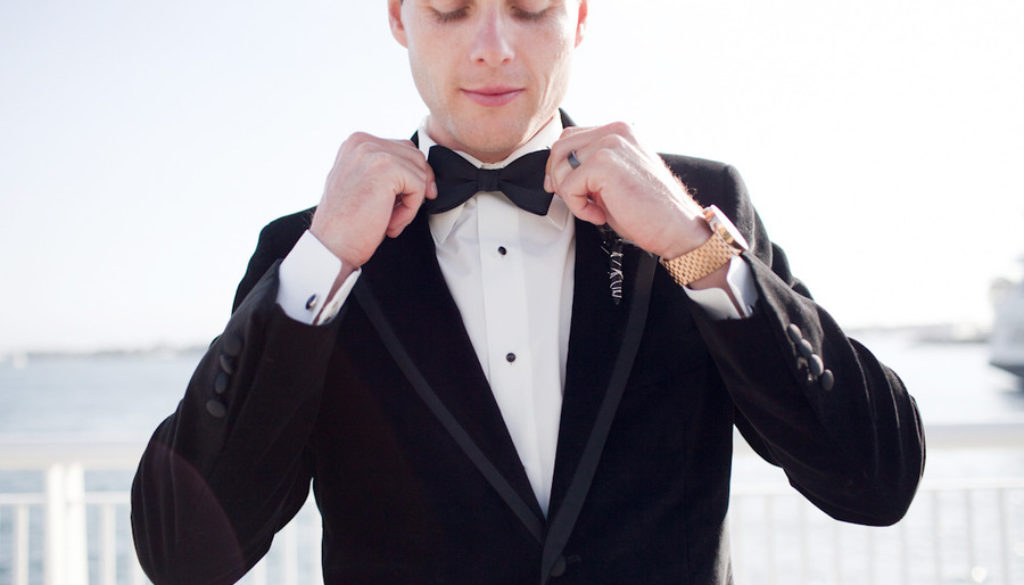 black-tie-groom-real-wedding-photos